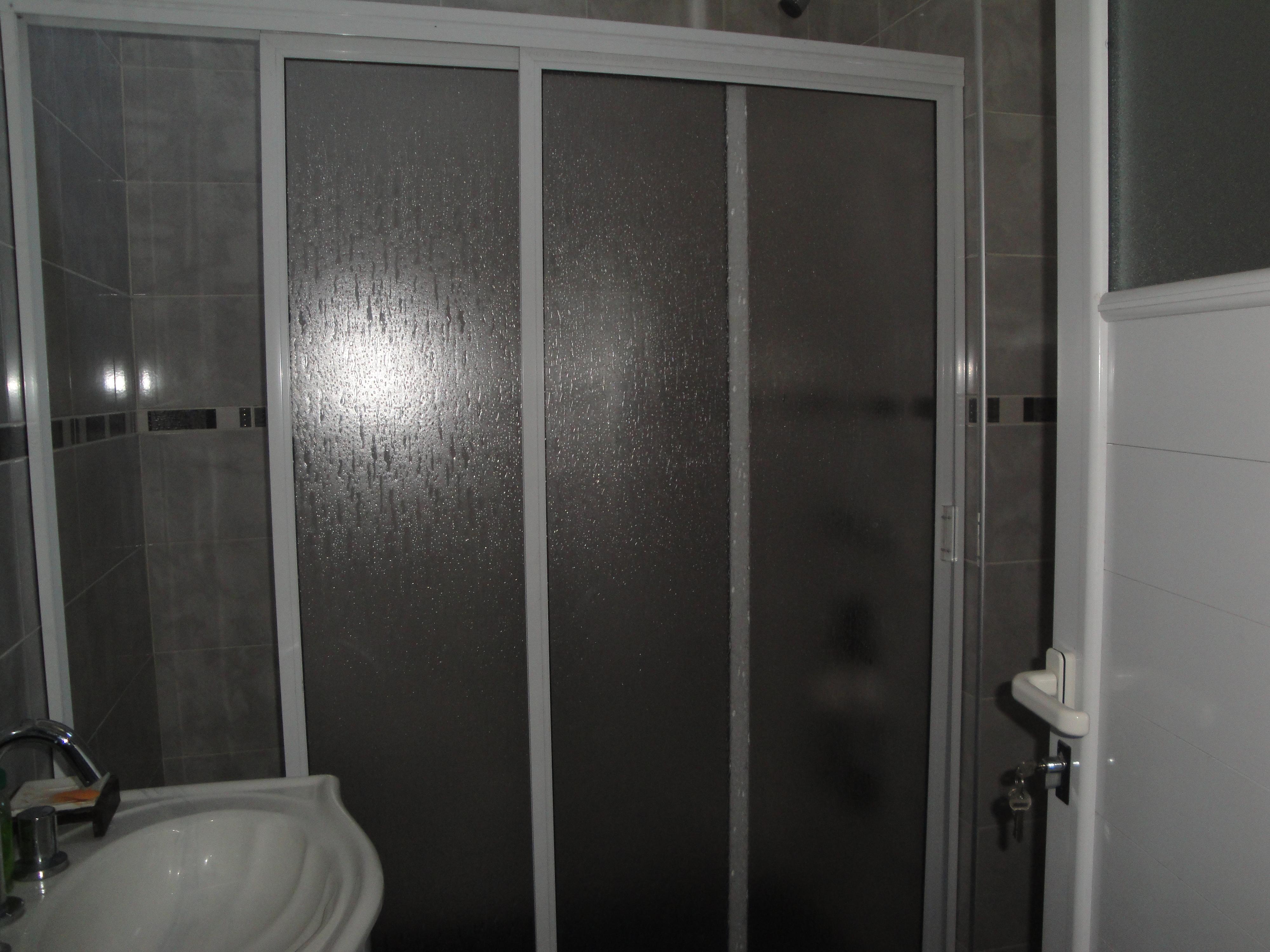 Mampara-de-Baño-Aberturas-de-Aluminio-Formia-Hnos2