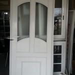 Puerta Herrero de 36mm con vidrio estipolite.