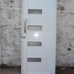 Puerta Batiente Ciega con detalle de vidrios, Linea Herrero - Aberturas de Aluminio Formia Hnos