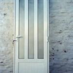 Puerta de Aluminio con vidrio estipolite