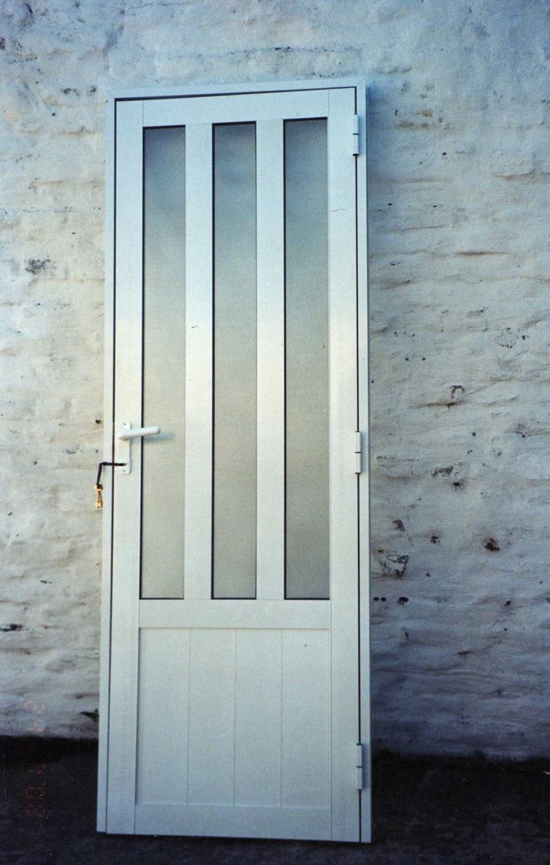 Puerta de aluminio con vidrio estipolite fabrica de - Puerta balconera aluminio ...