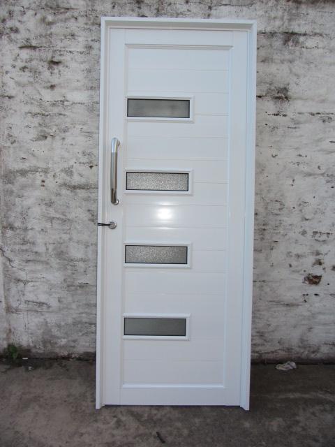 Puerta de aluminio herrero con detalles de vidrio y - Puerta de aluminio y vidrio ...